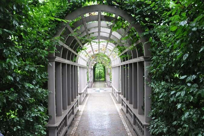 Italian Renaissance walkway